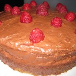 Vanilla-Bean-Cake-Raspberry-Chocolate-Filling